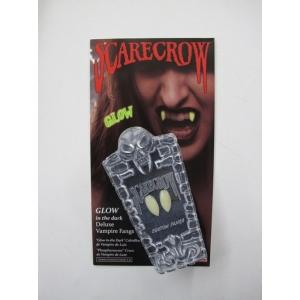 Scarecrow Glow In the Dark - Vampire Fangs