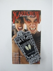 Scarecrow Inc Fangs Classic Custom - Halloween Make Up
