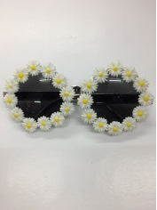 Daisy - Novelty Glasses